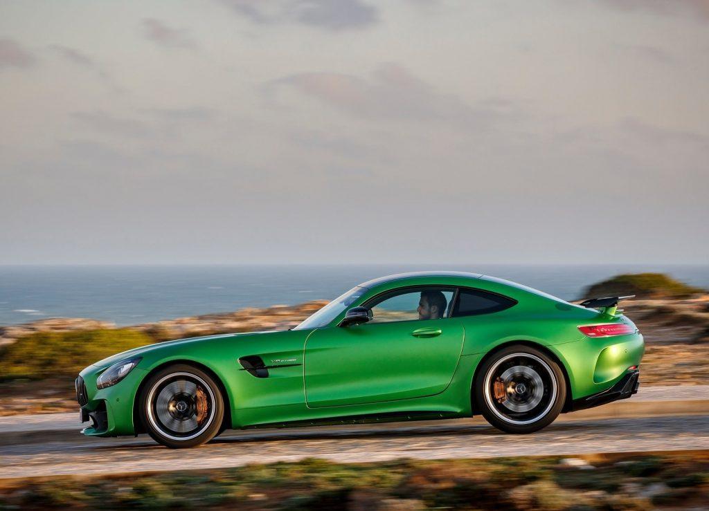 Mercedes-AMG GT R, вид сбоку