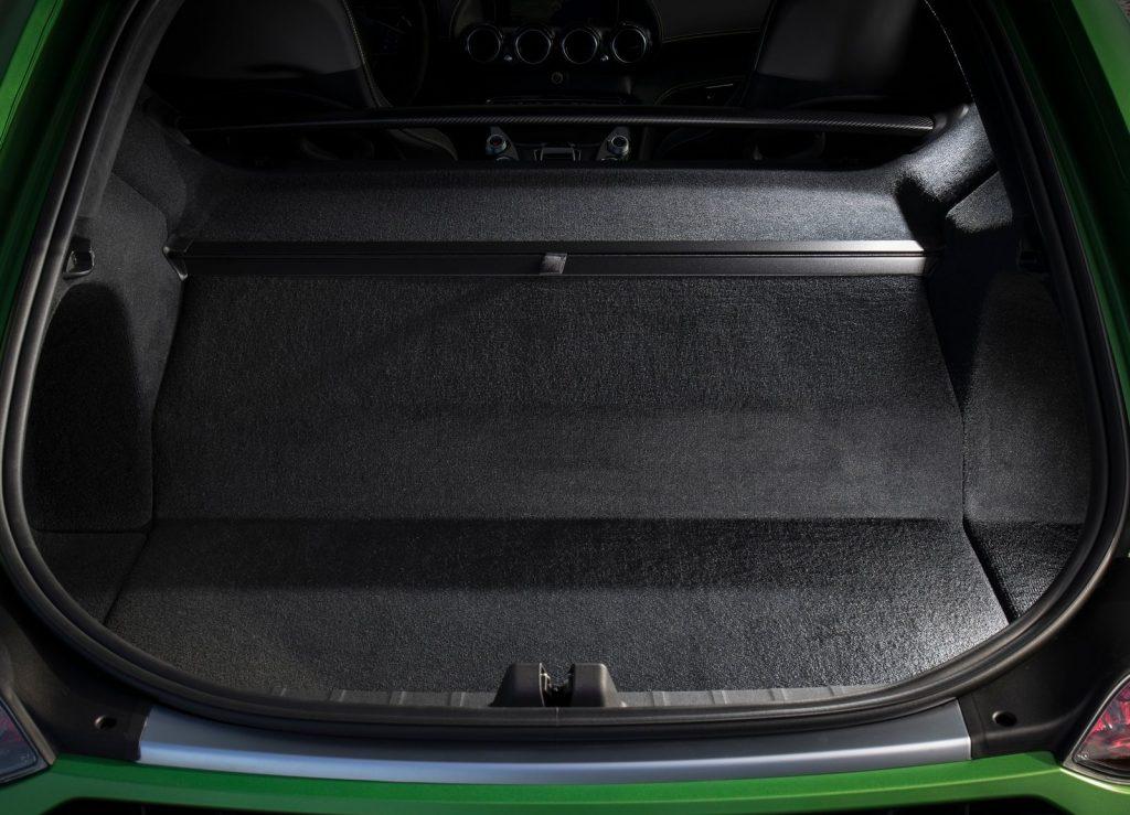 Mercedes-AMG GT R, багажник