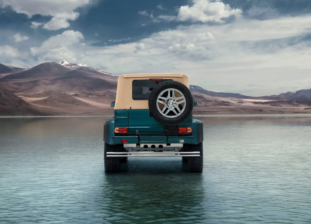Новый Mercedes-Maybach G650 Landaulet, вид сзади