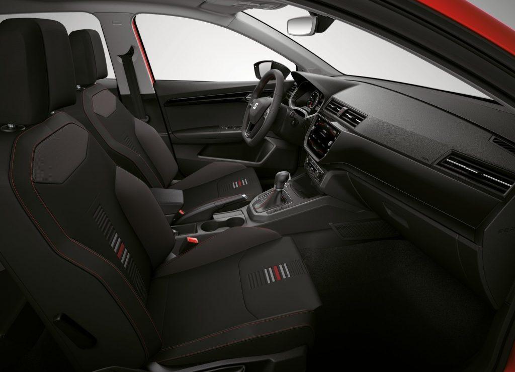 Seat Ibiza 2017, передние сиденья