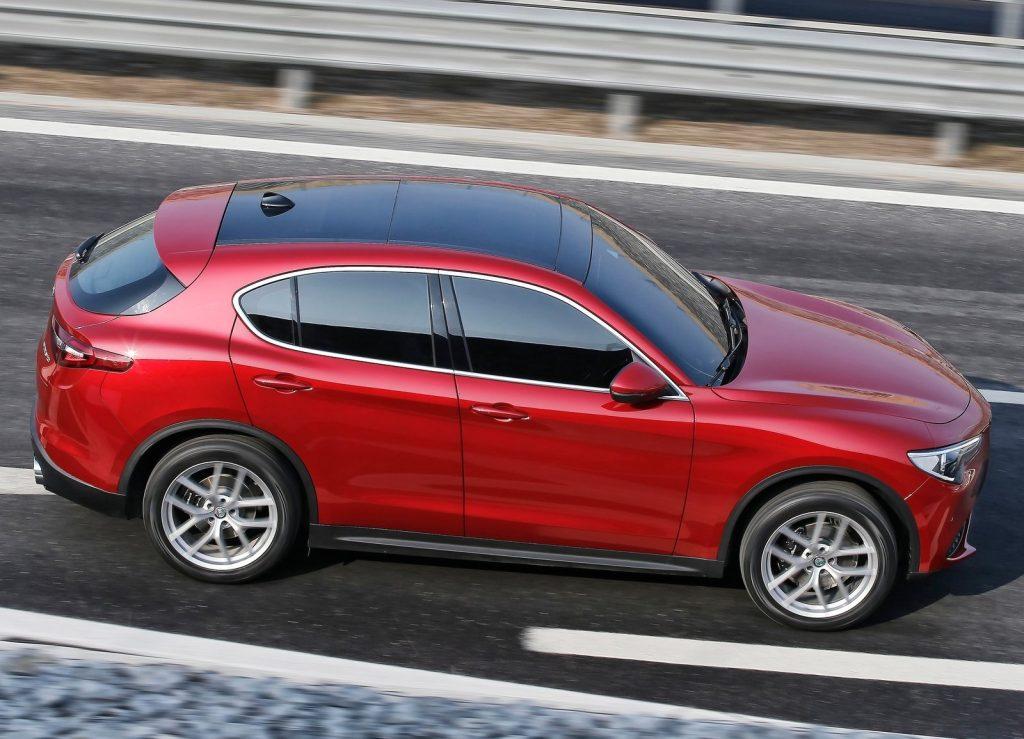 Alfa Romeo Stelvio, вид сбоку