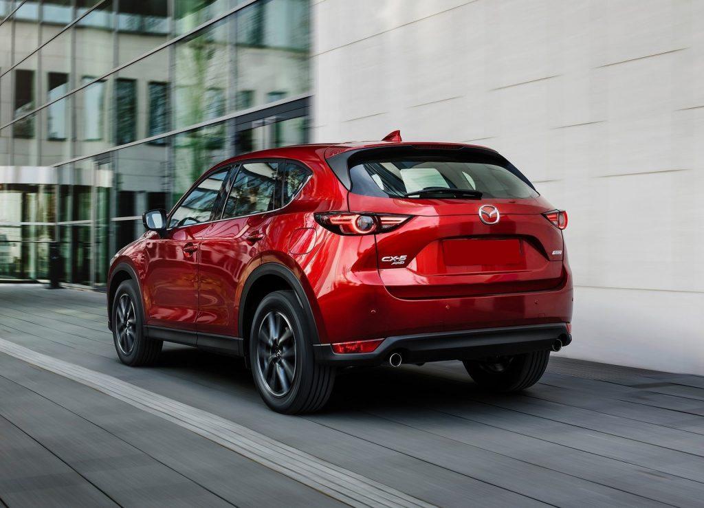 Mazda CX-5 2017, вид сзади