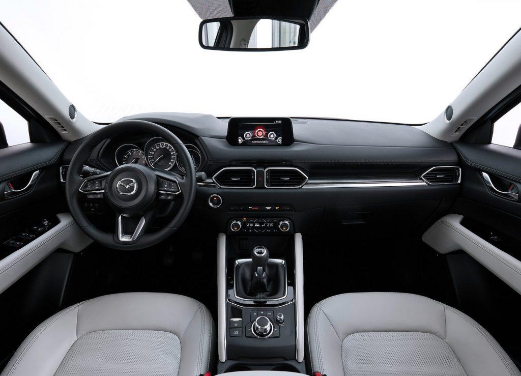 Новый Mazda CX-5, передняя панель