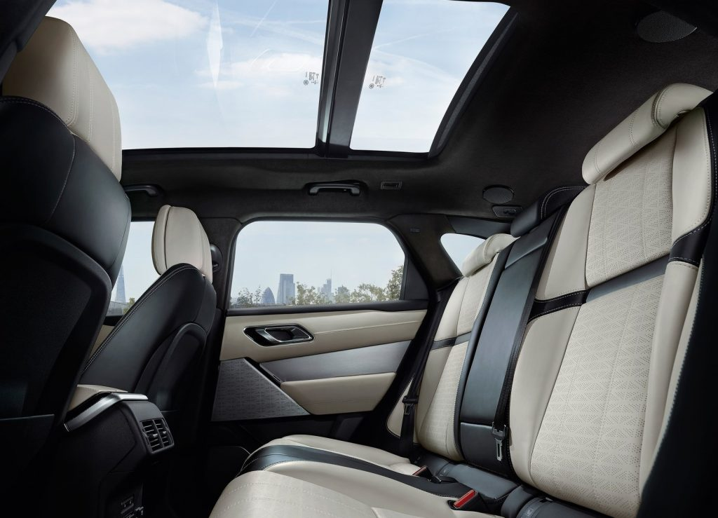 Range Rover Velar, задние сиденья