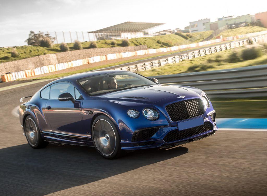 Bentley Continental Supersports 2017, вид на переднюю диагональ