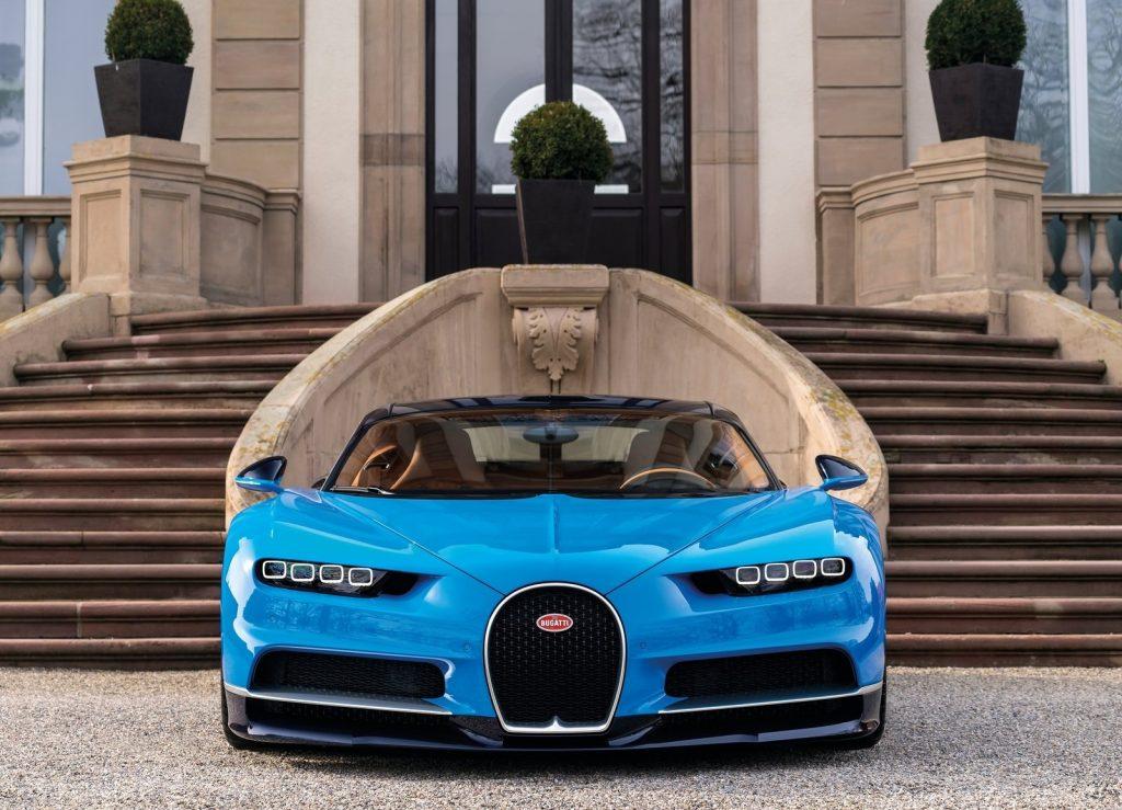 Bugatti Chiron 2017, вид спереди