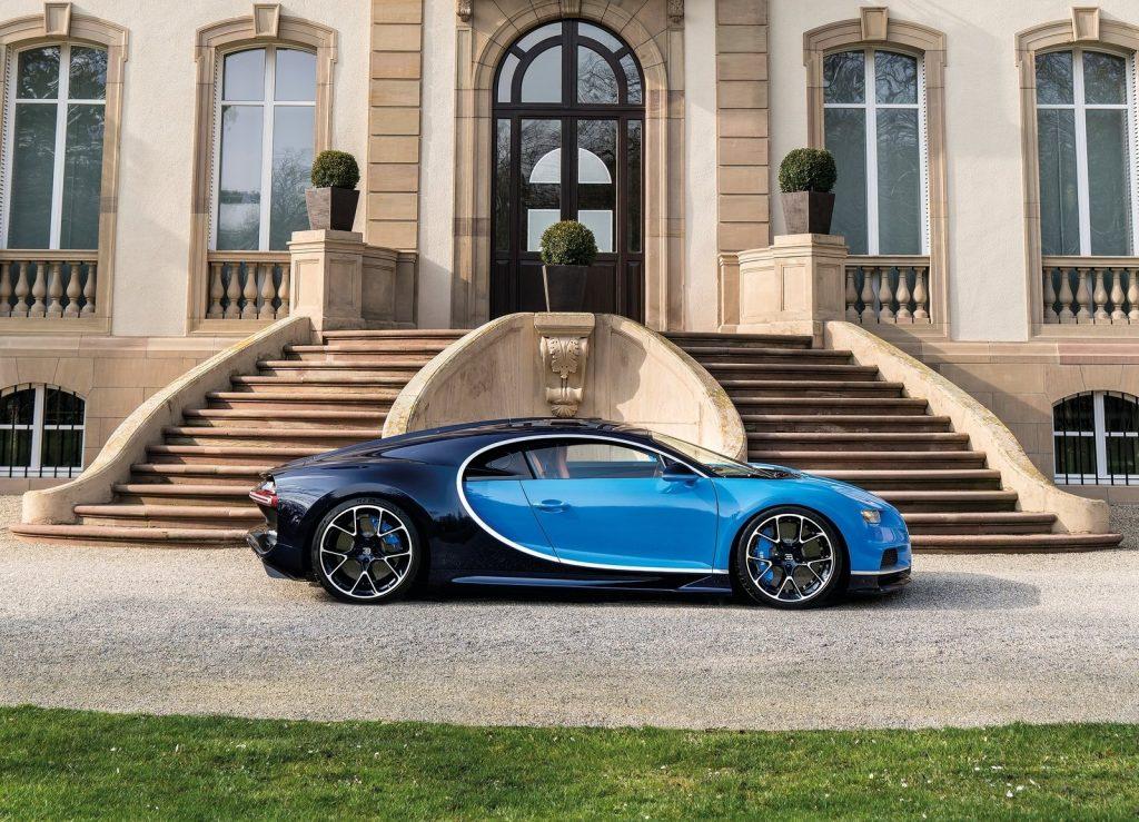 Bugatti Chiron 2017, вид сбоку