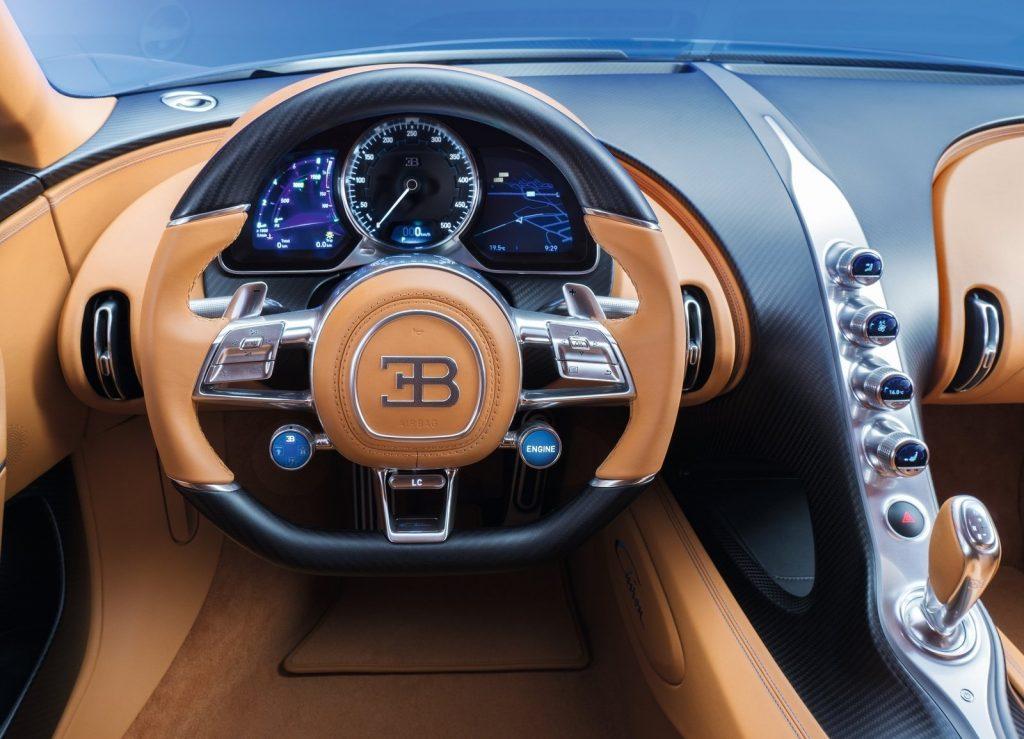 Bugatti Chiron, передняя панель