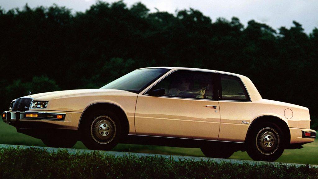 Buick Riviera 1986 года стал компактнее - 4,8 м