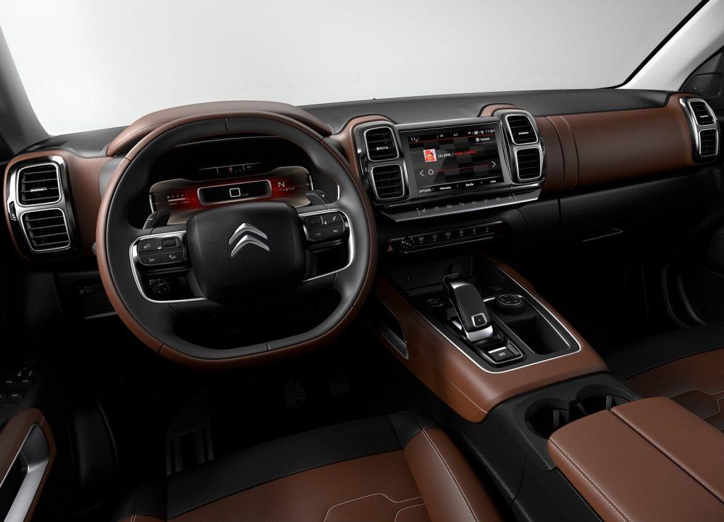Новый Citroen C5 Aircross, передняя панель
