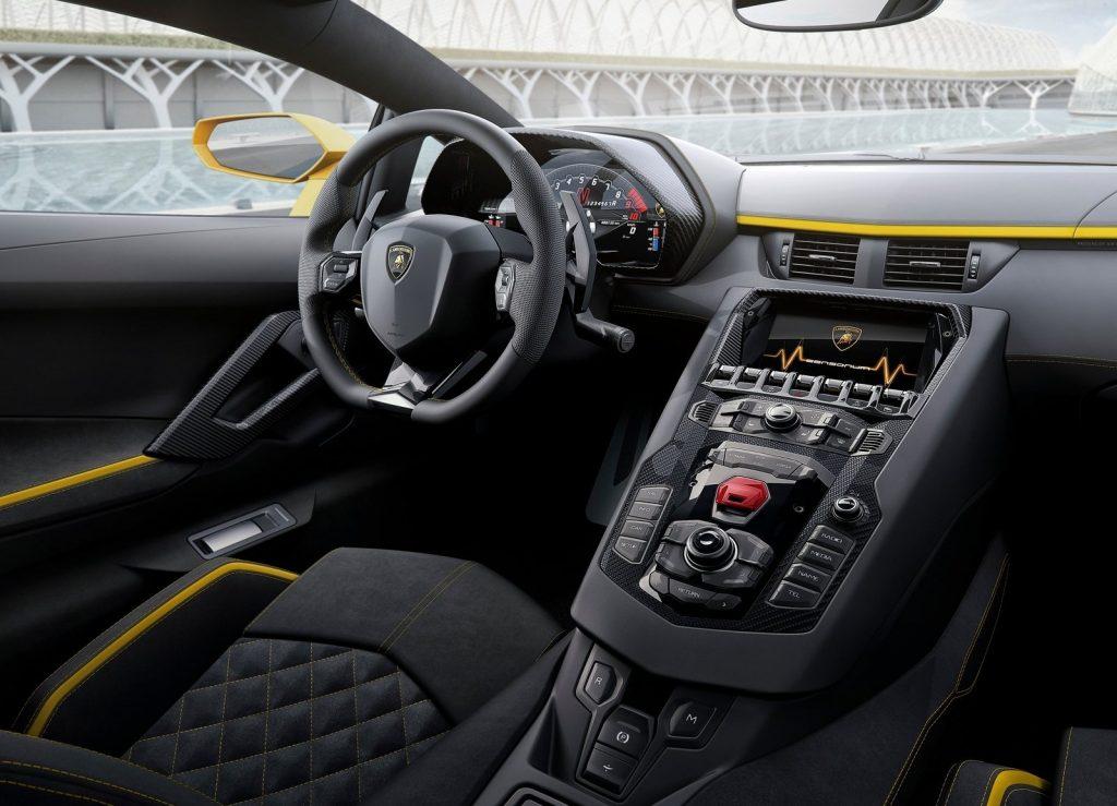 Новый Lamborghini Aventador S, салон