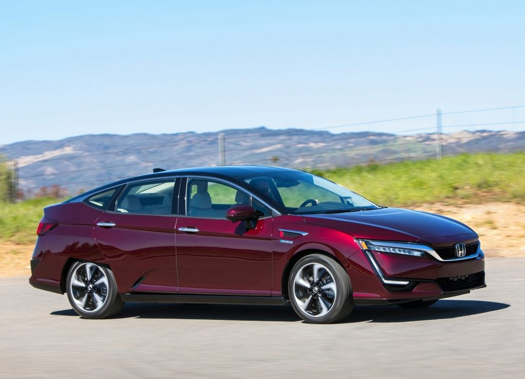 Honda Clarity Fuel Cell 2017 вид сбоку