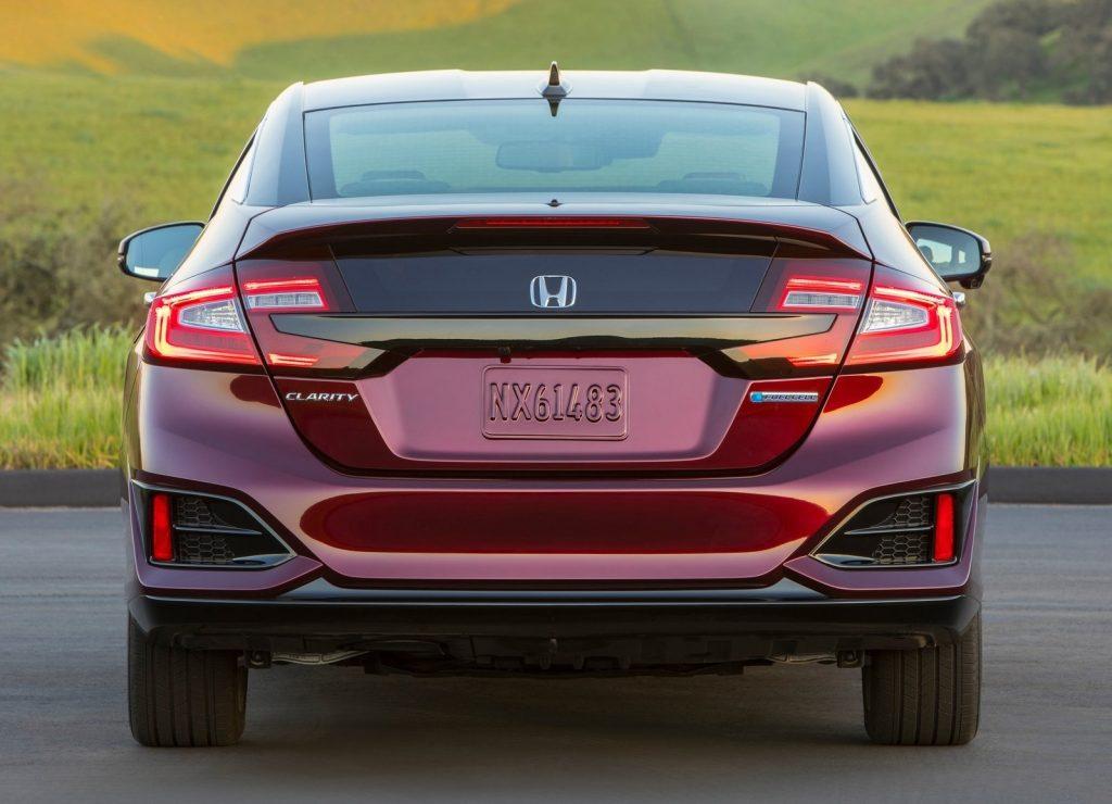Honda Clarity 2017, вид сзади