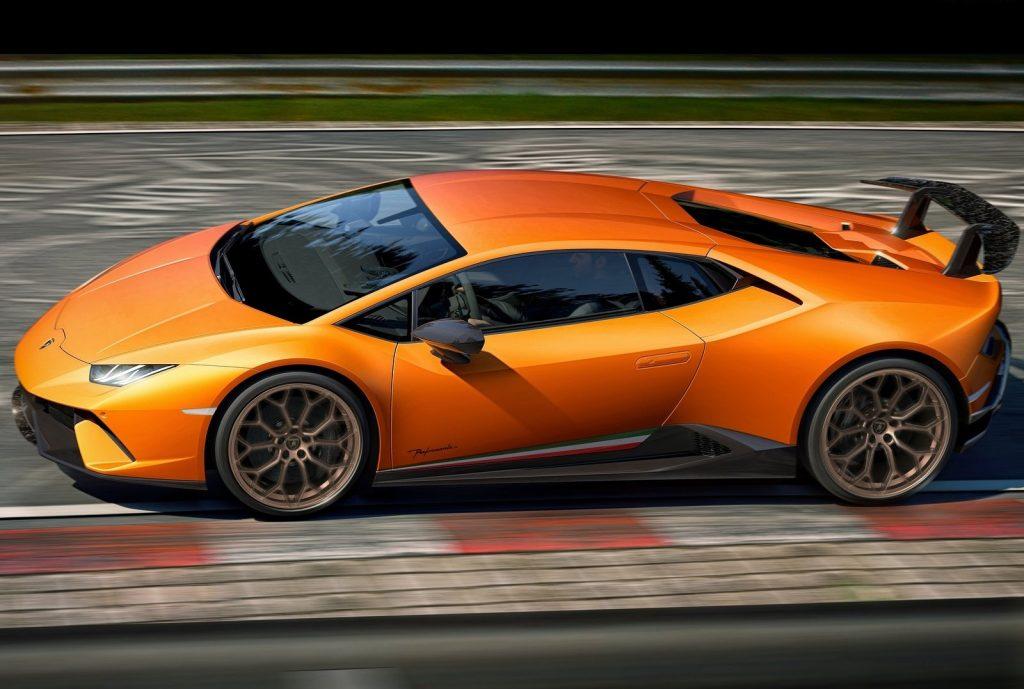 Lamborghini Huracan Performante , вид сбоку