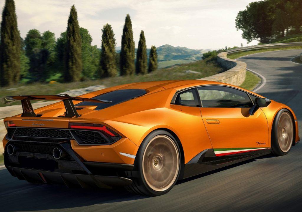 Lamborghini Huracan Performante, вид на заднюю диагональ