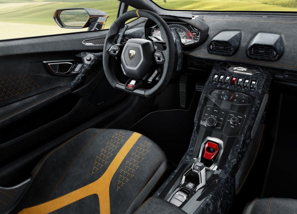 Новый Lamborghini Huracan Performante, салон