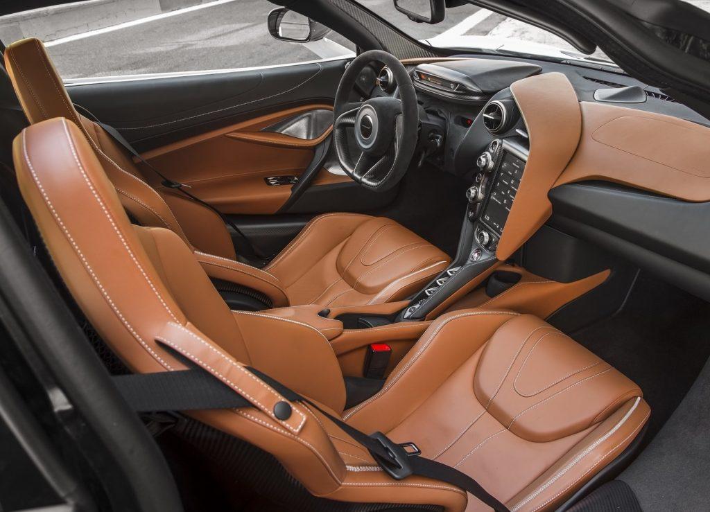 McLaren 720S 2017, салон