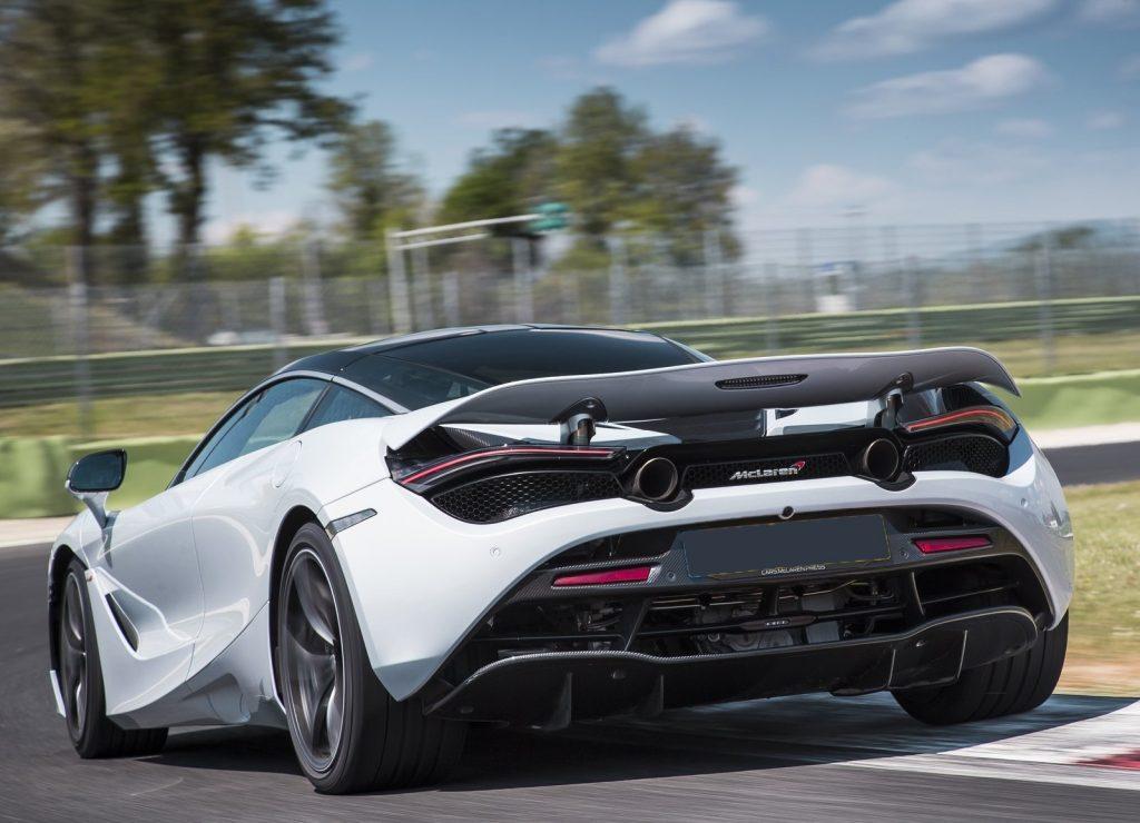 McLaren 720S 2017, вид сзади