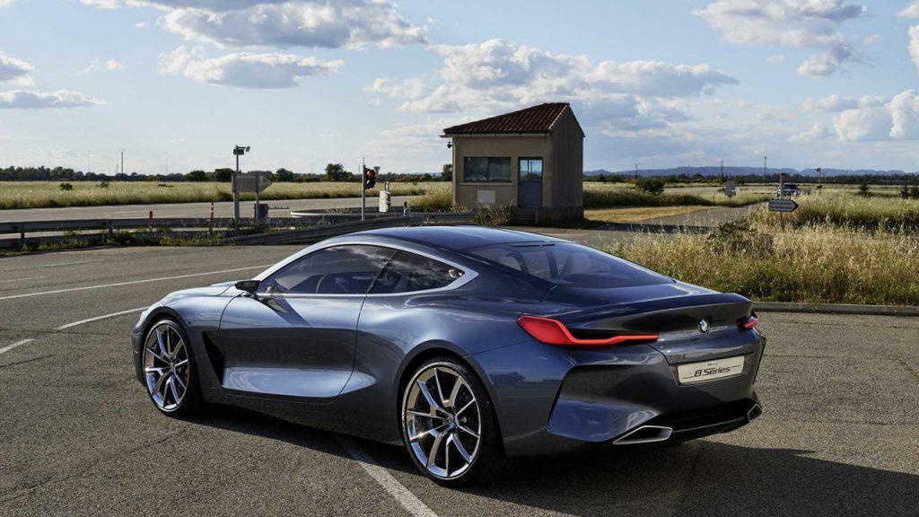 Концепт-кар BMW 8 Series, вид на заднюю диагональ