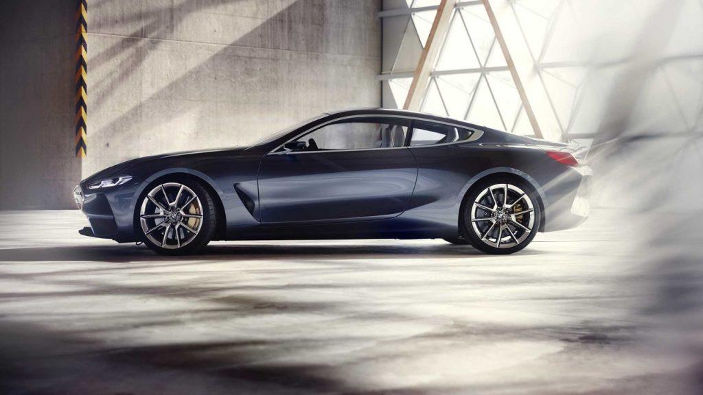 Новый BMW 8 Series 2017, вид сбоку