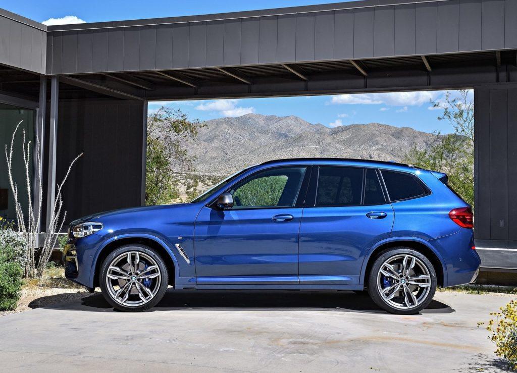 Новый BMW X3, вид сбоку