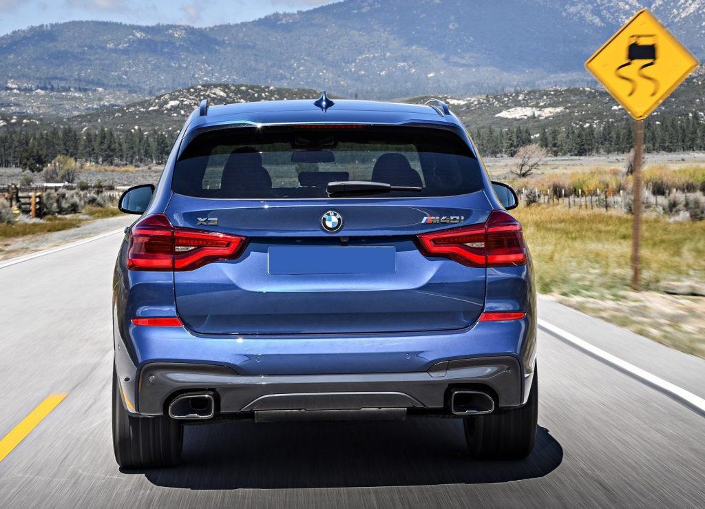 Новый BMW X3, вид сзади