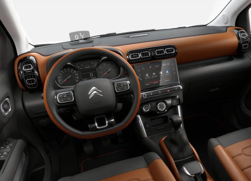 Новый Citroen C3 Aircross, передняя панель