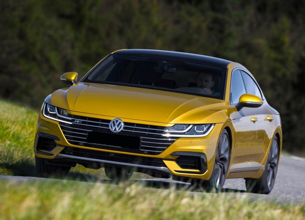 Volkswagen Arteon 2017, вид спереди