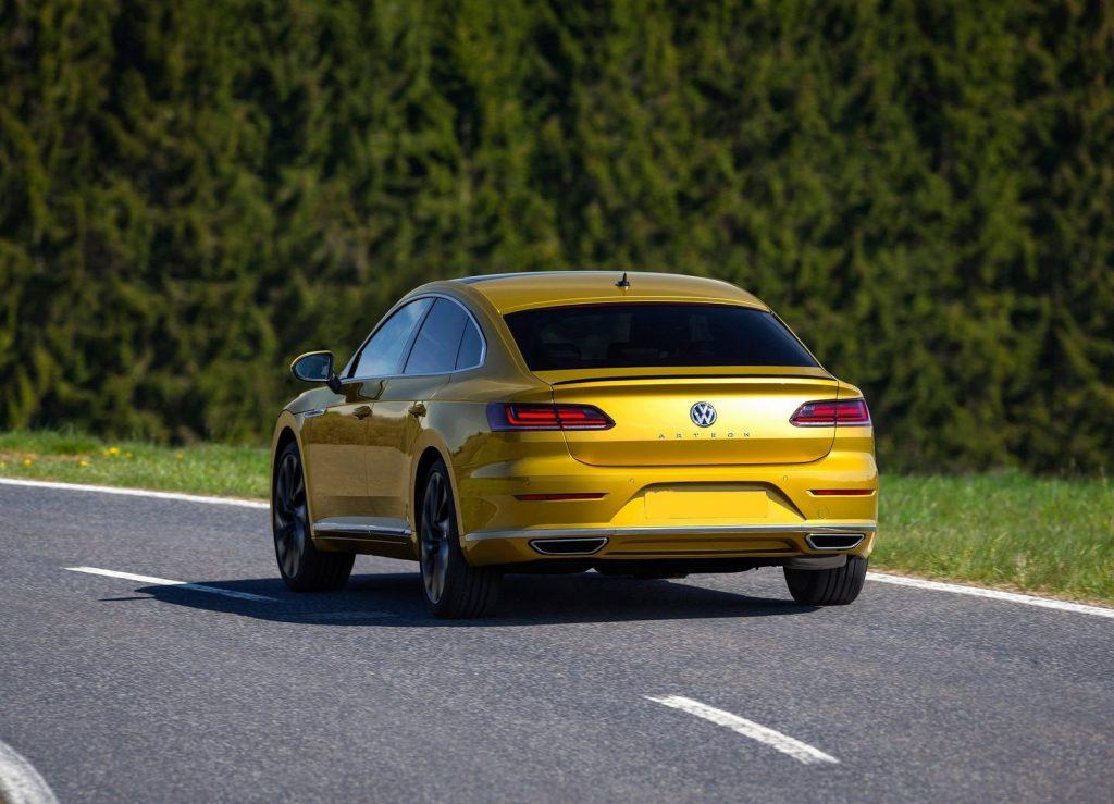 Новый Volkswagen Arteon, вид сзади