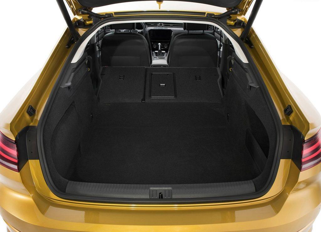Volkswagen Arteon 2017, багажник