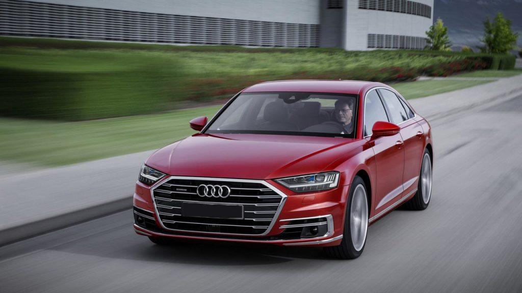 Audi A8 2017, вид спереди