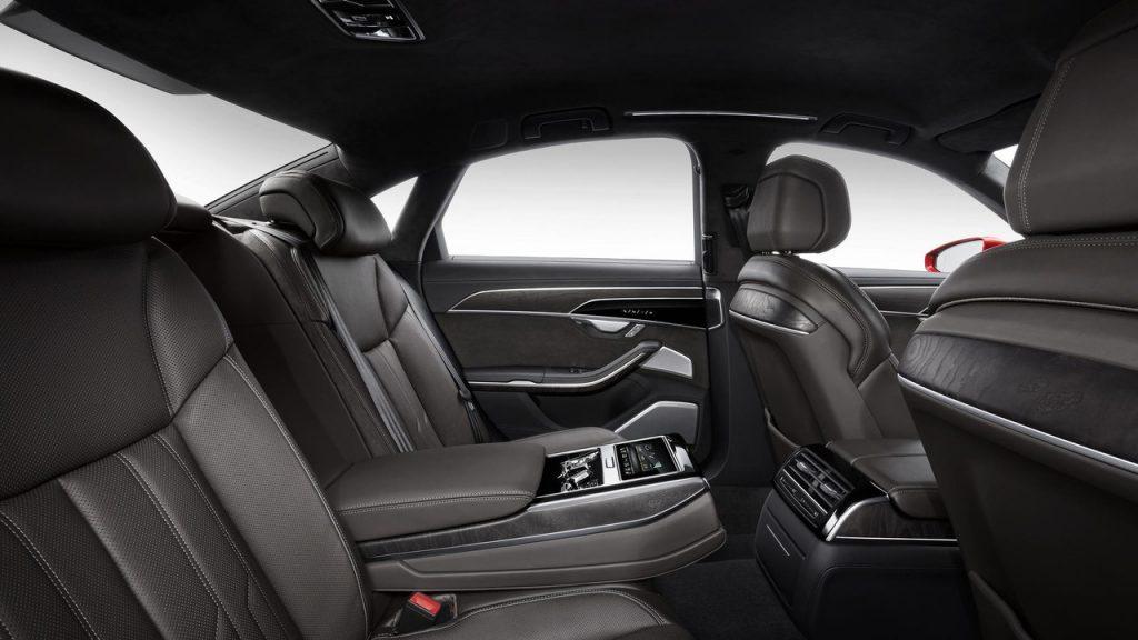 Audi A8, задние сиденья