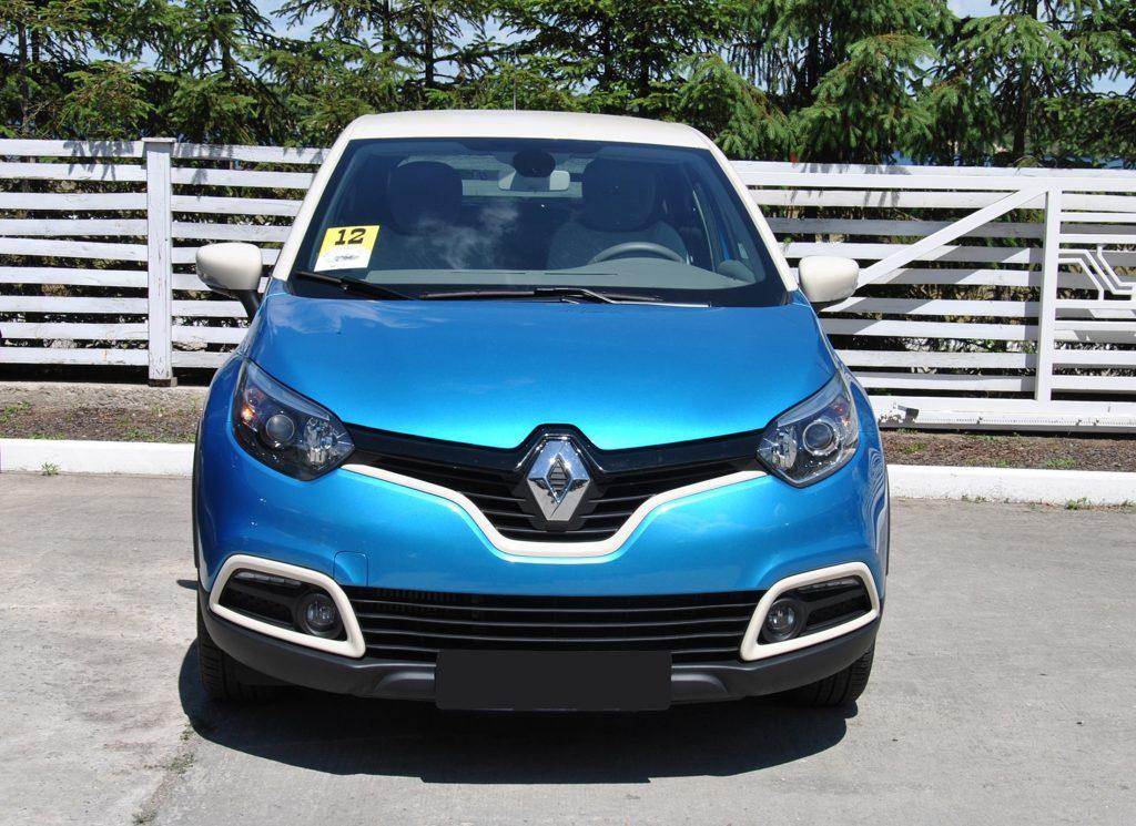 Renault Captur, вид спереди