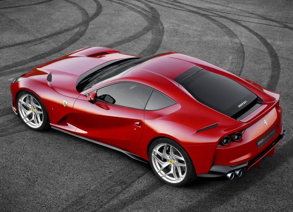 Ferrari 812 Superfast 2017, вид сверху