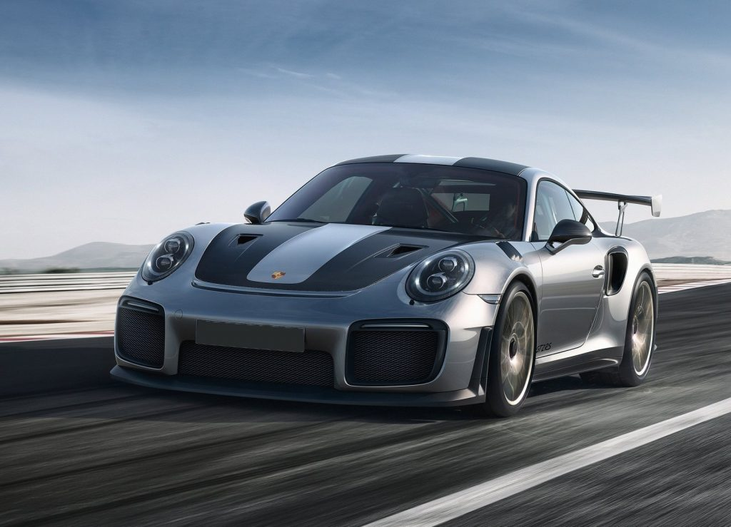 Porsche 911 GT2 RS, вид на переднюю диагональ