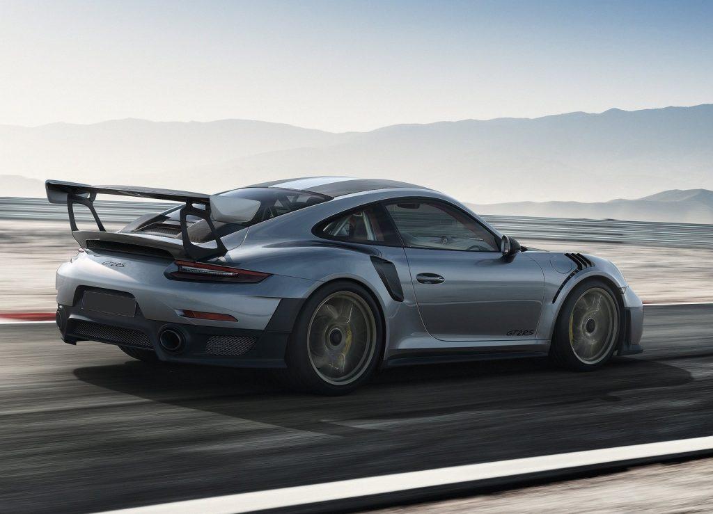 Porsche 911 GT2 RS, вид сбоку
