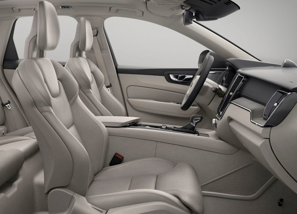 Volvo XC60, передние сиденья