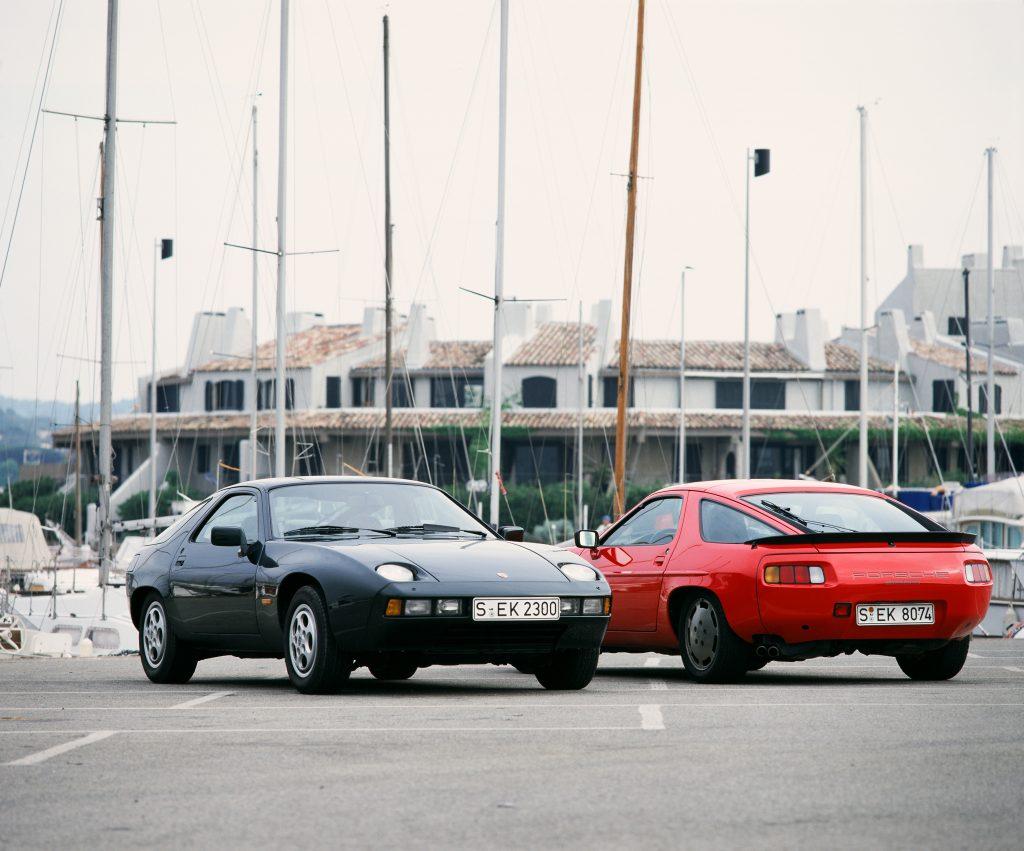 Всего выпущено 61 тыс. Porsche 928 всех версий