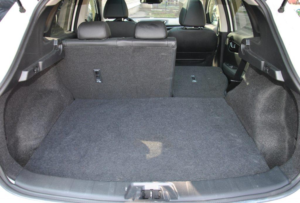 Nissan Qashqai 2017, багажник