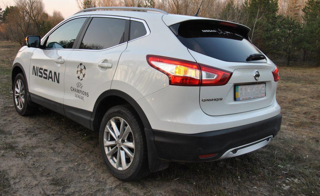 Nissan Qashqai, вид на заднюю диагональ