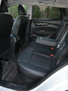 Nissan Qashqai, задние сиденья