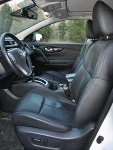 Nissan Qashqai, передние сиденья