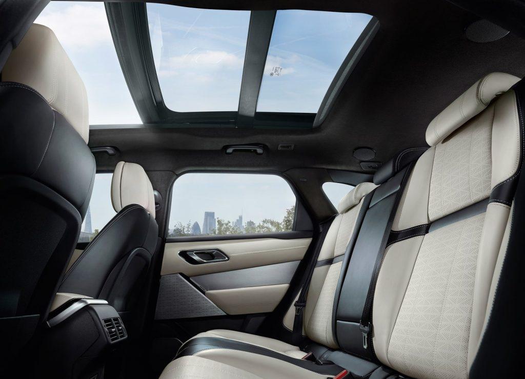 Новый Range Rover Velar, задние сиденья