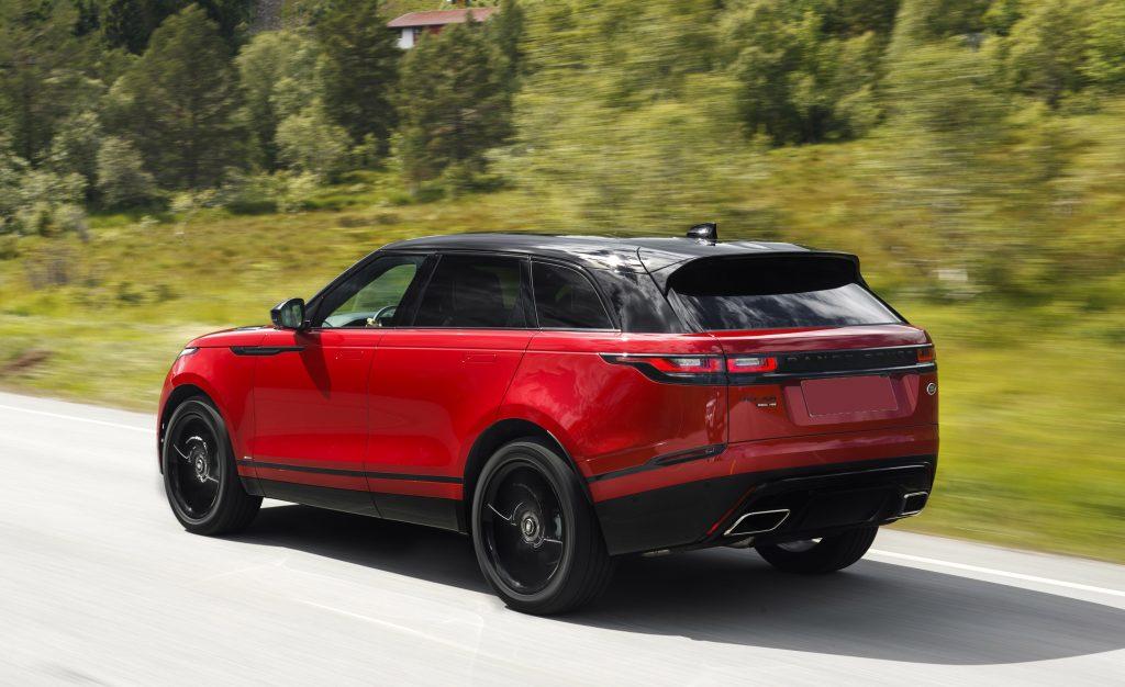Range Rover Velar, вид на заднюю диагональ