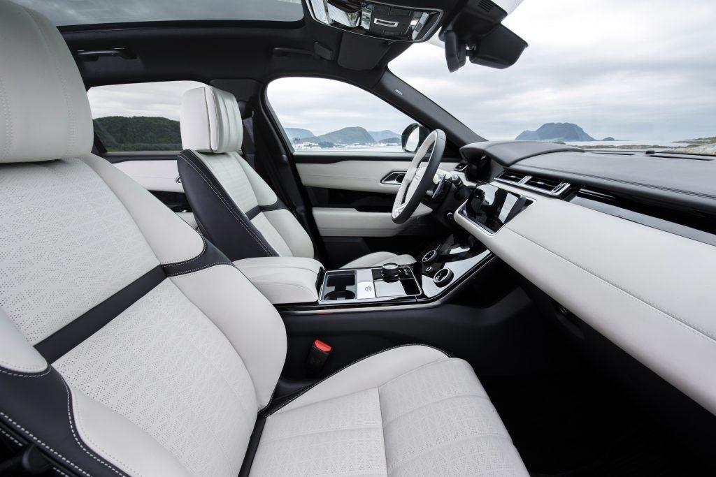 Range Rover Velar, передние сиденья