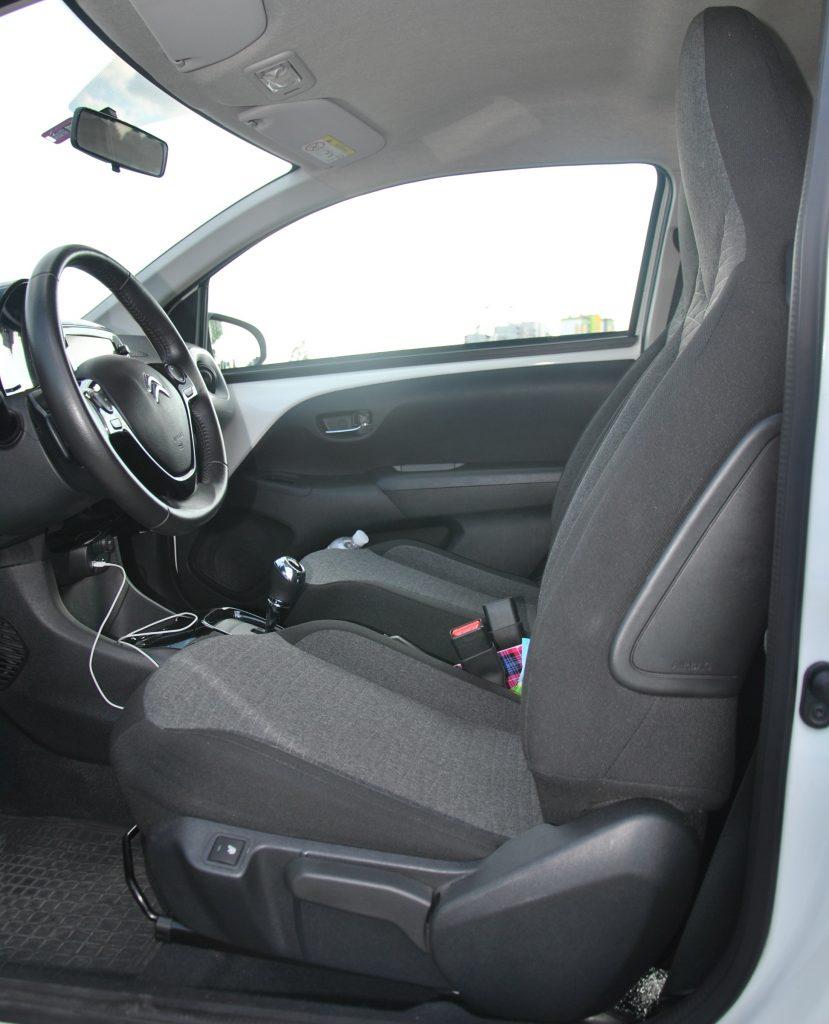 Citroen C1, передние сиденья