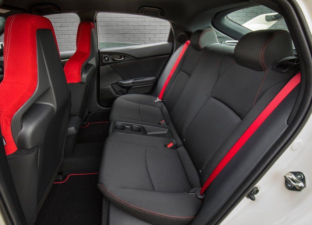 Honda Civic Type R 2017, задние сиденья