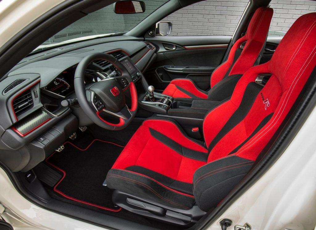 Honda Civic Type R, передние сиденья