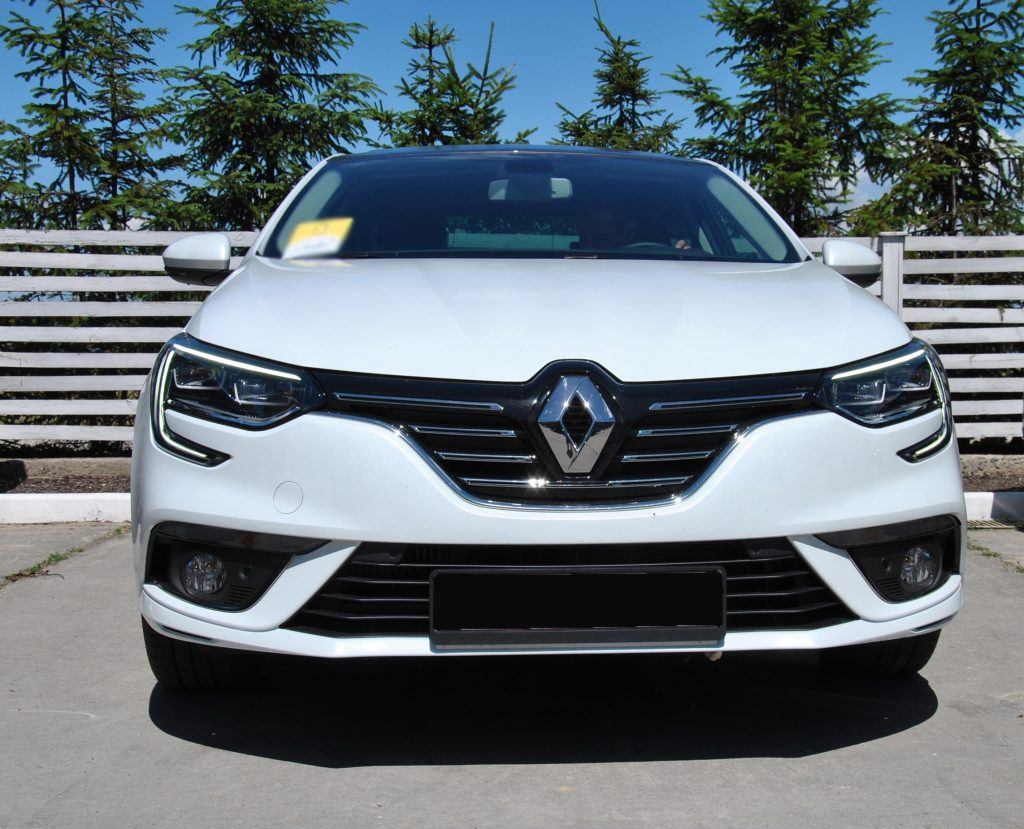 Renault Megane Sedan 2017, вид спереди