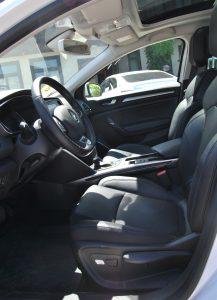 Новый Renault Megane Sedan, передние сиденья
